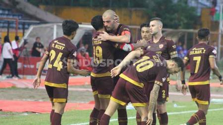 PSM Makassar membawa 18 pemain untuk melawan Persebaya Surabaya di Stadion Batakan, Balikpapan, Kamis (14/11/19), pada laga tunda pekan ke-26 Shopee Liga 1 2019. - INDOSPORT