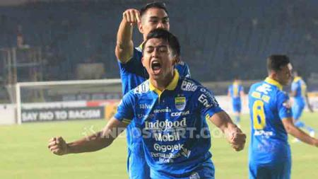 Selebrasi gol Febri Hariyadi bareng Persib Bandung di Liga 1 2019. - INDOSPORT
