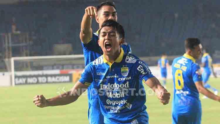 Selebrasi gol Febri Hariyadi Copyright: Arif Rahman/INDOSPORT