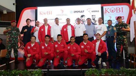 Komite Olahraga Beladiri Indonesia atau KOBI semakin melebarkan sayapnya. Bulan ini, KOBI akan mengirim timnas atlet amatir MMA Indonesia - INDOSPORT