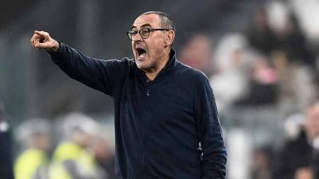 Maurizio Sarri melayangkan permintaan ke manajemen klub Serie A Juventus untuk membuang Mario Mandzukic, mendatangkan duo Chelsea, Willian dan Emerson Palmieri. - INDOSPORT