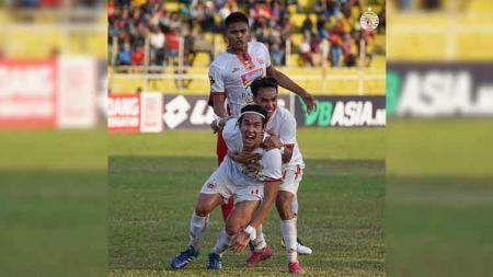 Ada 3 fakta yang tak biasa usai Semen Padang diimbangi Persija Jakarta, 2-2 pada ajang Liga 1 2019 pekan ke-27, Kamis (07/11/19) sore WIB. - INDOSPORT