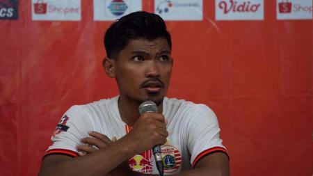 Heri Susanto (kiri) turut mencetak gol untuk Persija saat melawan Semen Padang pada Liga 1 2019 pekan ke-27. - INDOSPORT