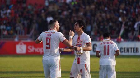 Marko Simic dan Ryuji Utomo mencetak gol bagi Persija Jakarta dalam laga yang berakhir imbang 2-2 melawan Semen Padang di Liga 1 pekan ke-27. - INDOSPORT