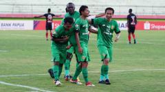 Indosport - Persipura Jayapura vs Bhayangkara di Liga 1 2019.