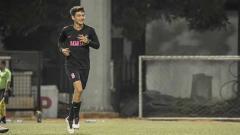 Indosport - Aktor tampan Adipati Dolken merupakan sosok yang selalu menyempatkan waktu untuk bermain sepak bola di tengah-tengah kesibukannya.