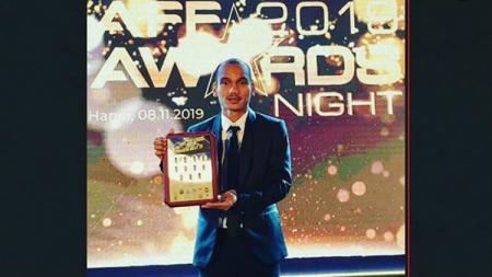 Bima Sakti turut bangga melihat prestasi pemain Persija Jakarta, Riko Simanjuntak, yang dinobatkan sebagai salah satu pemain terbaik di Asia Tenggara. - INDOSPORT