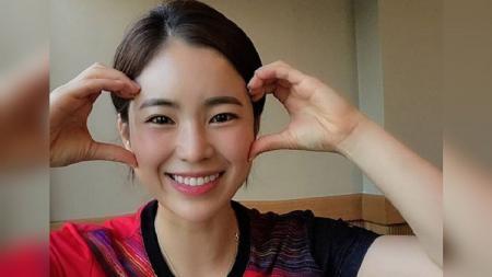 Berita Sportainment: Da-young, pelatih bulutangkis asal Korea Selatan yang mirip Song Hye-kyo. - INDOSPORT