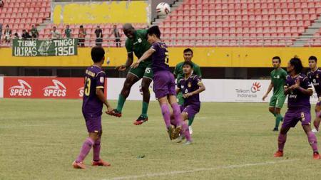 PSMS Medan hanya mampu bermain imbang 1-1 atas Persik Kediri pada laga perdana Grup B babak 8 besar Liga 2 2019. - INDOSPORT