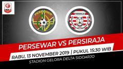 Indosport - Pertandingan antara Persewar vs Persiraja Banda Aceh.
