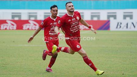 Selebrasi pemain Persija Jakarta, Marko Simic usai mencetak gol ke gawang Borneo FC di Liga 1, Senin (11/11/19). - INDOSPORT