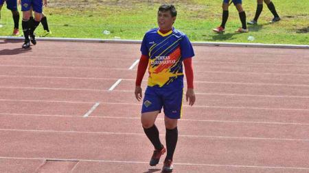 Aris Budi Sulistyo saat membela tim Pemkab Karanganyar dalam sebuah pertandingan di Stadion Sriwedari Solo. - INDOSPORT