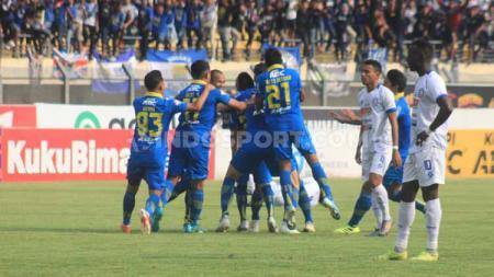 Pelatih Arema FC, Milomir Seslija mengaku tak begitu kecewa setelah kalah telak tiga gol tanpa balas di markas Persib Bandung dalam lanjutan Shopee Liga 1 2019. - INDOSPORT