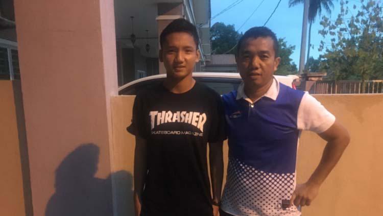 Syahrian Abimanyu dan sang ayah Rasiman. Copyright: Istimewa/Topskor