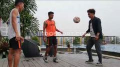 Indosport - Inisiatfi tinggi dimiliki pemain PSMS Medan yang tetap berlatih di saat senggang jelang laga kontra Martapura FC dalam 8 besar Liga 2 2019.