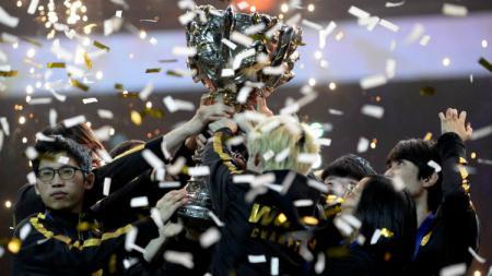 FunPlus Phoenix juarai League of Legends World Cup Foto: Reuters/firstpost.com - INDOSPORT