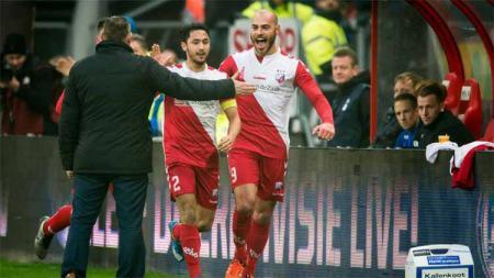 Pemain Terbaik Liga Belanda Ikut Beri Dukungan Indonesia Tentang Corona - INDOSPORT