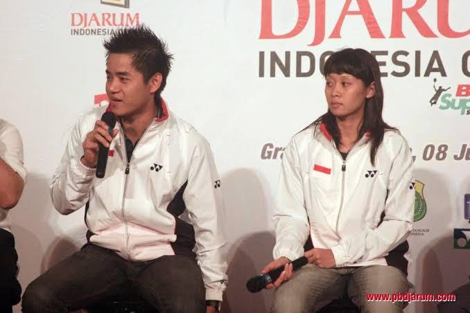 Simon Santoso dan Maria Kristin dalam acara konferensi pers. Copyright: PB Djarum