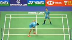 Indosport - Pebulu tangkis ganda putra Chinese Taipei, Lu Ching Yao akhirnya buka suara terkait dirinya yang 'dihajar' oleh rekannya sendiri di Hong Kong Open 2019.