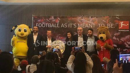 Legenda Bayern Munchen, Lothar Matthaus dalam kunjungan ke Indonesia memberi pesan berharga ke para pemain muda Timnas Indonesia. - INDOSPORT