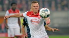 Indosport - Rouwen Hennings, mantan pemain Burnley yang kini bersinar di Fortuna Duesseldorf