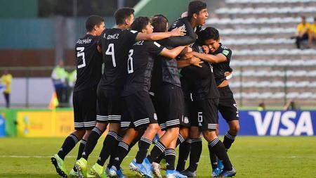 Para pemain Timnas Meksiko U-16 saat berlaga di Piala Dunia U-17 2019. - INDOSPORT