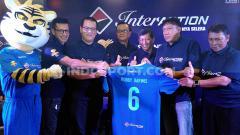 Indosport - Direktur PT Persib Bandung Bermartabat (PBB), Teddy Tjahyono, berencana mempertemukan legend Persib Bandung saat juara Liga Indonesia pertama 1994-1995.