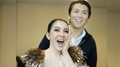 Indosport - Syahrini bersama sang suami, Reino Barack.
