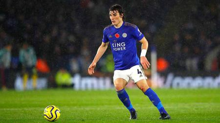 Bek klub Liga Inggris, Leicester City, Caglar Soyuncu pada laga saat melawan Arsenal. - INDOSPORT