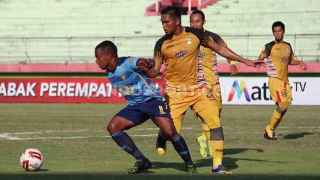 Pertandingan babak 8 besar liga 2 2019, babak pertama Mitra Kukar vs Persewar di Stadion Gelora Delta, Sidoarjo, Sabtu (16/11/19). - INDOSPORT