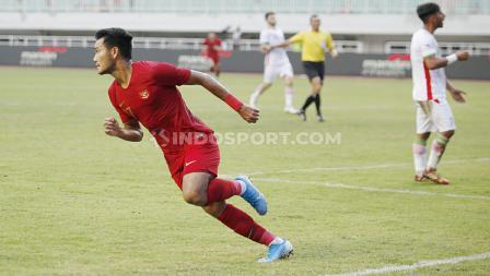 Selebrasi pemain Timnas Indonesia U-23, Muhammad Rafli usai mencetak gol ke gawang Timnas Iran u-23 di Stadion Pakansari Cibinong, Bogor, Sabtu (16/11/19).