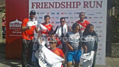 Atlet paralimpik Indonesia untuk ASEAN Para Games 2020 mengikuti Friendship Run Borobudur Marathon 2019 - INDOSPORT