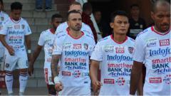 Indosport - Gelandang Bali United, Paulo Sergio, dalam pertandingan Liga 1 2019. Foto: Nofik Lukman Hakim