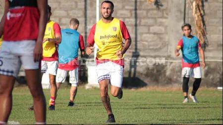 Gelandang asing Bali United, Brwa Nouri. - INDOSPORT