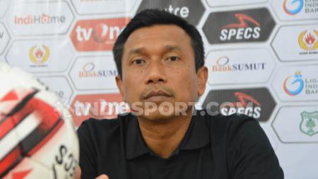 Pelatih Persita Tangerang, Widodo Cahyono Putro, mengatakan belum mengetahui masa depannya meski telah membawa tim promosi ke Liga 1 musim depan. - INDOSPORT