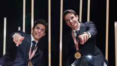 Indosport - Pembalap MotoGP, Marc Marquez (kiri) bersama adiknya, Alex Marquez yang akan berkolaborasi di tim Repsol Honda pada MotoGP 2020