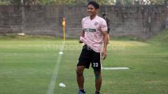 Indosport - Bek Senior PSS Sleman, Purwaka Yudhi yakin timnya bisa memetik kemenangan atas Borneo FC, Rabu (20/11/19) malam.