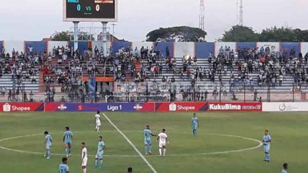 Kemenangan tipis 1-0 Persela Lamongan atas Perseru Badak Lampung terasa bak laga penentuan juara untuk zona degradasi Liga 1 2019. - INDOSPORT