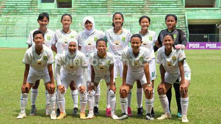 Tim Persebaya putri usai pagelaran Liga 1 Putri 2019. - INDOSPORT