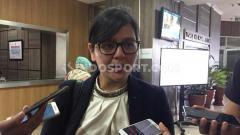 Indosport - Ratu Tisha saat ditemui wartawan.
