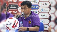 Indosport - Eks klub Liga Malaysia PDRM FA Budi Sudarsono turut buka suara atas kiprah fantastis pelatih Persik Kediri Budiardjo Thalib.