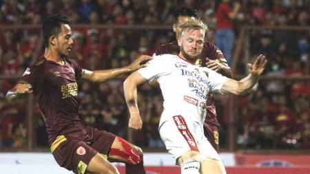 Situasi pertandingan Liga 1 antara PSM Makassar vs Bali United - INDOSPORT