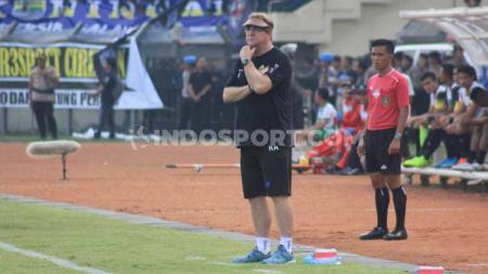 Pelatih Persib Bandung, Robert Rene Alberts, mengaku belum bisa memberikan penilaian terhadap penampilan Wander Luiz dan Joel Vinicius pasca-turnamen Asia Challenge Cup 2020. - INDOSPORT