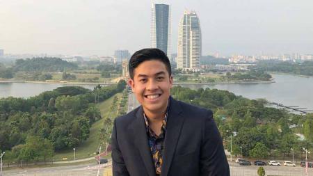 Jerome Polin, YouTuber Indonesia yang akan berpartisipasi di torch relay Olimpiade Tokyo 2020. - INDOSPORT