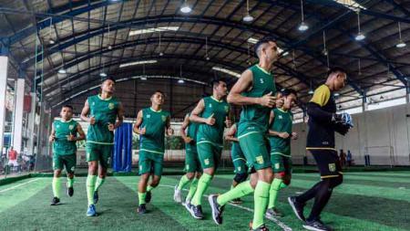 Asisten pelatih Persebaya Surabaya, Bejo Sugiantoro sudah siap untuk melakoni lanjutan pertandingan kompetisi Liga 1 2019 lawan Madura United. - INDOSPORT