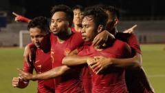 Indosport - Timnas indonesia U-23 sukses menundukkan Timnas Thailand U-23 dengan skor dua gol tanpa balas, Selasa (26/11/2019) sore.