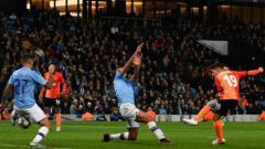 Indosport - Manchester City memastikan satu tiket ke babak 16 besar Liga Champions 2019-2020 usai bermain imbang dengan Shakhtar Donetsk, Rabu (27/11/19) dini hari WIB.