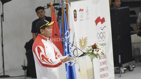 Menpora Zainudin Amali menjadi inspektur upacara pada acara pelepasan Kontingen SEA Games Indonesia 2019 di Hall A Basket GBK, Senayan, Rabu (27/11/19). - INDOSPORT
