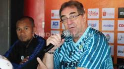 Pelatih Persib Bandung, Robert Rene Alberts, menilai timnya masih memiliki peluang untuk berada di peringkat dua klasemen akhir kompetisi Shopee Liga 1 2019.