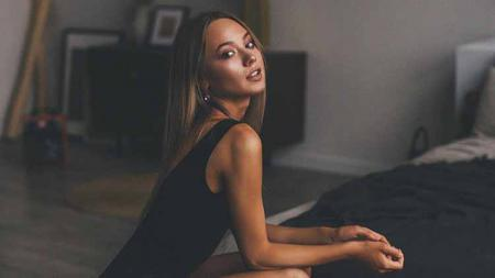Aleksandra Kishko, model seksi asal Belarusia fans Timnas Indonesia - INDOSPORT